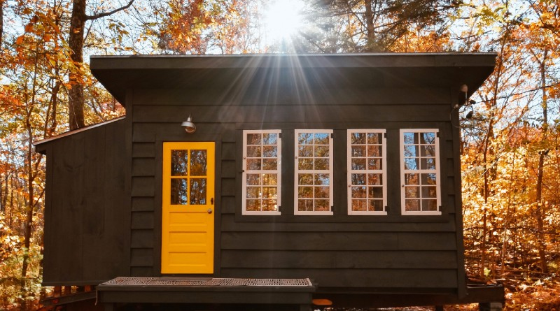 tiny home off-grid cabin energy